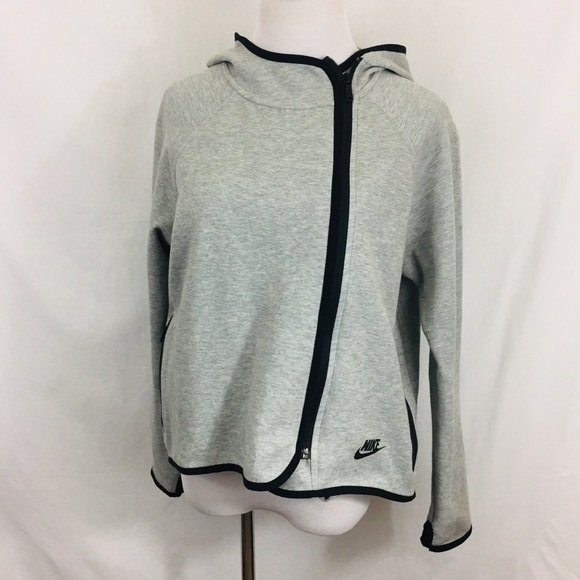1f5ae4a0a2e0 NiKE NIKE TECH FLEECE ZIP CAPE JACKET GREY. M 5c5278c403087c62842d8c4d